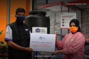 Bantuan APD dan Sarana Cuci Tangan untuk RSU Kabupaten Tangerang