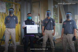 Bantuan Face Shield Security Komplek De Latinos