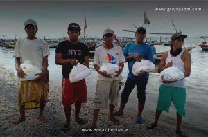 Bantuan Paket sembako dari Griya Yatim & Dhuafa untuk Para Nelayan
