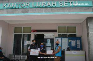 Bantuan Hand Sanitizer untuk Kelurahan Setu