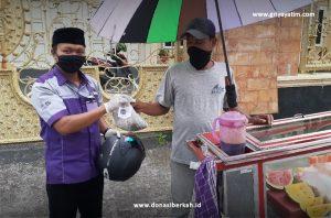 Bantuan Sembako kepada Pedagang Kecil