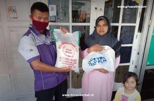 Bantuan Pangan Bersama dengan YBM PLN Peduli Covid -19 Area Bukittinggi