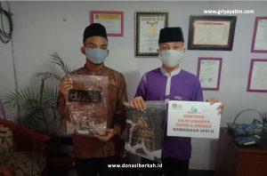 Senyum Gembira Yatim & Dhuafa dengan Berbagi Baju Lebaran