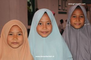 Bantuan Pangan ke Pedalaman Curug Banten