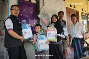 Bantuan Perlengkapan Sekolah Oleh Griya Yatim & Dhuafa
