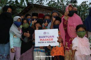 Cegah Covid-19, GYD Berikan Bantuan 1000 Masker ke Pelosok Desa di Lebak
