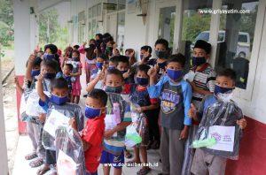 Bantuan Perlengkapan Sekolah 100 Yatim