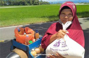 Bantuan Paket Sembako Lansia Solo dan Tangerang