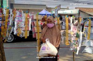 Bantuan Paket Sembako Untuk Pedagang