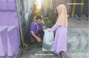 Anak Asuh Binaan GYDPalangkaraya Sedang Bersih-Bersih