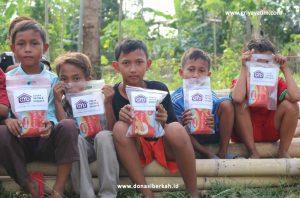 Bantuan Gizi Yatim Dan Dhuafa Di Desa Ketapat