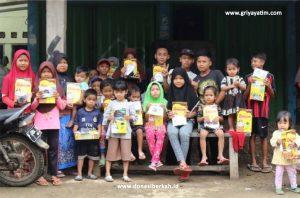 Distribusi Susu untuk Anak Korban Bencana Banjir Bandang Dan Longsor Cianjur