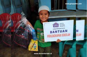 Bantuan Perlengkapan Sekolah Yatim & Dhuafa Cabang Surabaya