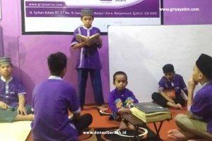Mengasah Skill Anak Asuh Banjarmasin Lewat Muhadhoroh