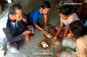Bantu Bapak Nurhasan Memenuhi Kebutuhan Keluarga
