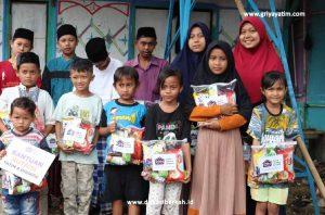 Bantuan Pemenuhan Nutrisi Yatim Dan dhuafa Di Kampung Cilangkap