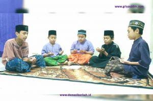 Berdoa Bersama Anak Asuh Kemanggisan