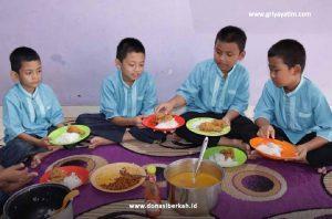 Zakat Untuk Pendidikan dan Pemenuhan Pangan Anak-Anak yatim & Dhuafa